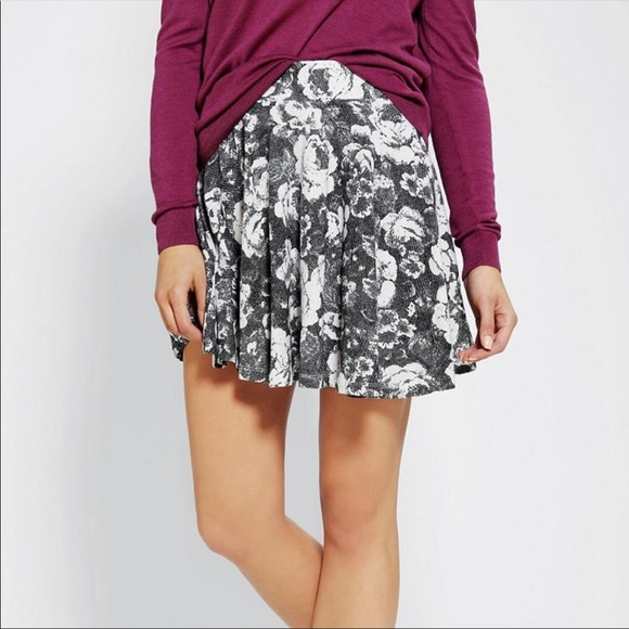 Urban Outfitters Pins and Needles Floral Skirt